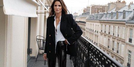 Το μαύρο παντελόνι είναι σταθερή αξία (8 λουκ για όλες τις ώρες)
