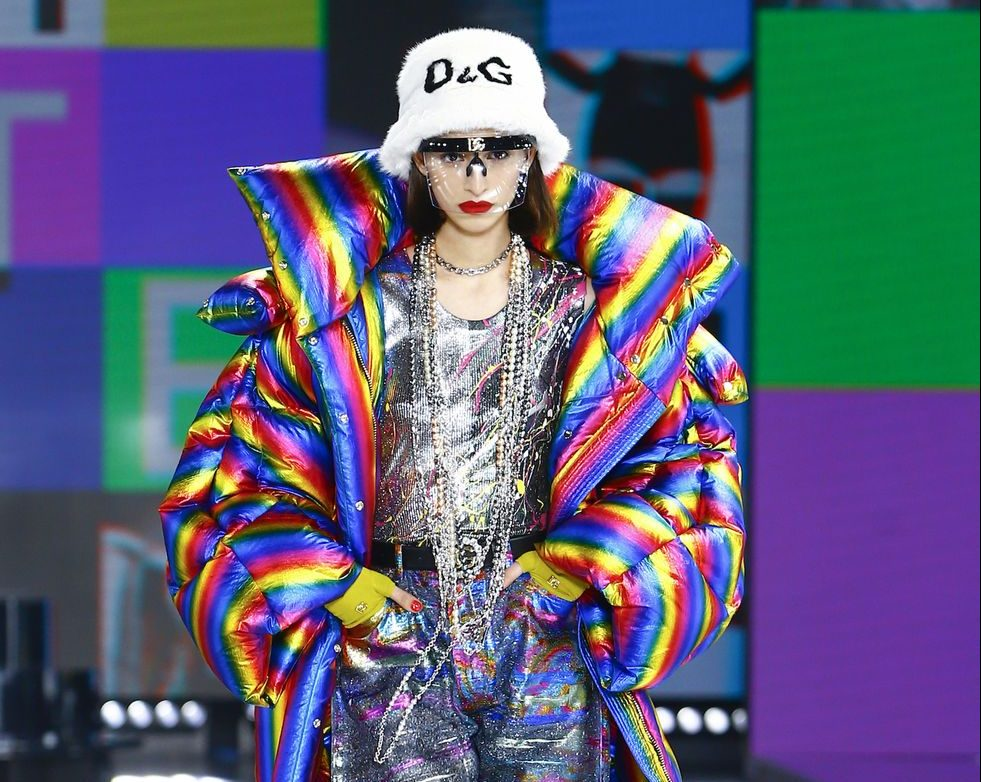 Dolce & Gabbana: Η AW21 συλλογή του οίκου φωνάζει '90s και ταυτόχρονα μοιάζει να έχει έρθει από το μέλλον